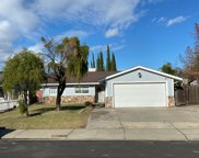 625  Lilac Way, Manteca image