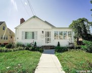 20 Woodside  Avenue, Freeport image