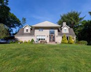 3 Philson  Ct, Commack image