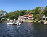 152 Winchester DR, South Kingstown image