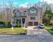 2 Thornwood  Drive, Lincoln image