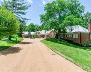 5 Apple Tree  Lane, Ladue image