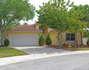 305 Lake Crest Ct, Weston image