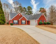 6135 Portsmouth Dr, Flowery Branch image