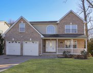 887 Colonial Ave, Union Twp. image