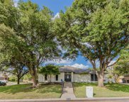 5744 Ledgestone Drive, Fort Worth image