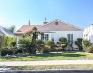 2555 South Bentley Avenue, Los Angeles image