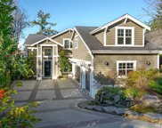 3020 90th Place SE, Mercer Island image