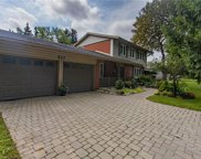 527 Bobbybrook  Drive, London image
