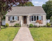 705 Bruce Dr, Wantagh image