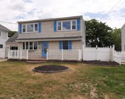471 Bay  Ave, Patchogue image