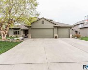 2413 S Grinnell Ave, Sioux Falls image