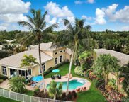 2477 Bay Isle Ct, Weston image