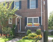 10 Pansy Ave, Floral Park image