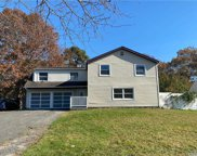 1023 Sipp  Ave, Medford image