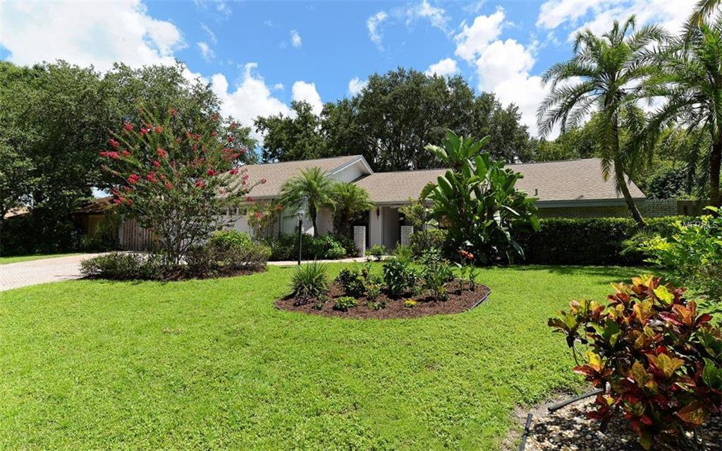 6968 country lakes circle sarasota palm aire fl 34243 mls a4410458 manatee county real estate for sale 2378 sqft 3 beds 3 baths - Palm Aire Garden