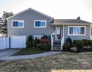2654 Grayson Dr, East Meadow image