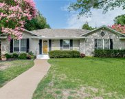 5816 Clendenin, Dallas image