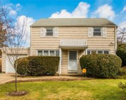 20 Elmwood Ave, Hempstead image
