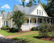 111 Fort Hugar Way, Manteo image