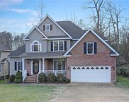 6128 Mayfair Circle, James City Co Middle image