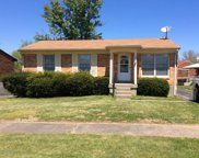 5215 Chasewood Pl, Louisville image