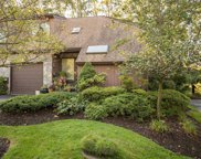 31 Fox Run, Roslyn Heights image