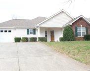 130 Ashwood  Lane, Mooresville image