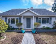 1602 Eighth Avenue, New Westminster image