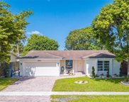 520 Nw 89th Ter, Pembroke Pines image