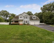 3 Sterling Cir, Dix Hills image