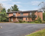 20 Carriage Ct, Syosset image