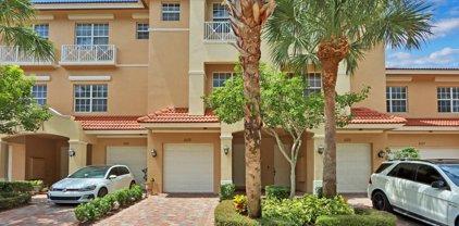 5113 Artesa Way W, Palm Beach Gardens