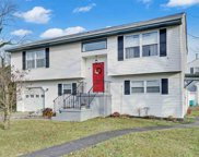 5 Fifield Ave Ave, Northfield image