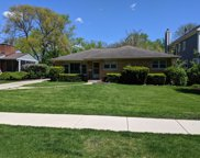 225 Kenilworth Avenue, Glen Ellyn image