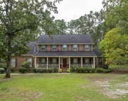 16 Old South Drive, Columbia image