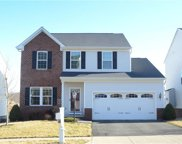 208 Heritage Dr, North Fayette image