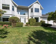 212 Thompson Boulevard, Buffalo Grove image