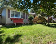 75 Cliff Rd. E., Wading River image