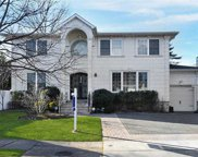 1016 Dartmouth  Lane, Woodmere image