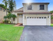 240 Somerset Way, Weston image