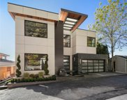 409 Lake Ave W, Kirkland image