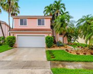 1010 Nw 192nd Ave, Pembroke Pines image