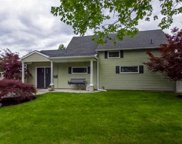 215 Sprucewood Dr, Levittown image