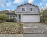 1070 Treetop Trail, Manchester image