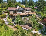 6905 SE 34th St, Mercer Island image