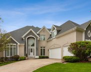 2S375 Canterbury Court, Glen Ellyn image