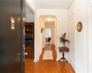 178 Garth  Road Unit #3L, Scarsdale image