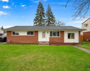 39828 Valiant Dr, Sterling Heights image