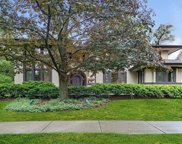 222 East Hickory Street, Hinsdale image